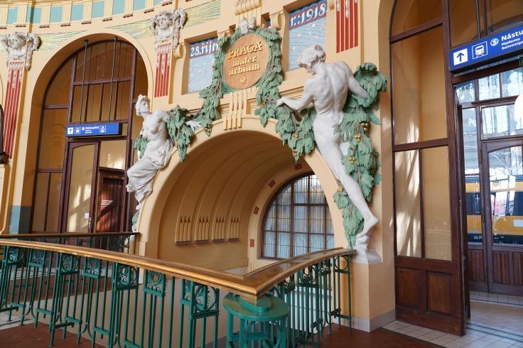 KVDV PHOTOGRAPHY - Prague Railway Station
